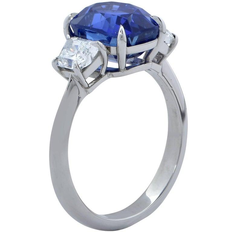 Modern Vivid Diamonds AGL Graded 4.85 Carat Sapphire and Diamond Three-Stone Ring For Sale
