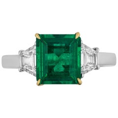 AGL LAB Certified 1.85 Carat Colombian Emerald Diamond Three-Stone Diamond Ring