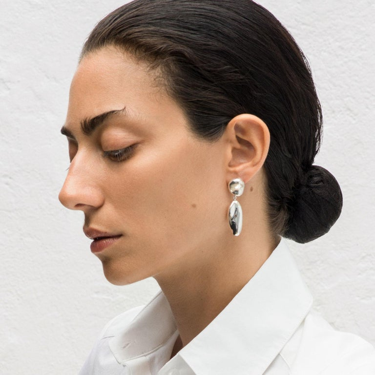 AGMES Long Drop Sterling Silver Statement Earrings In New Condition For Sale In New York, NY