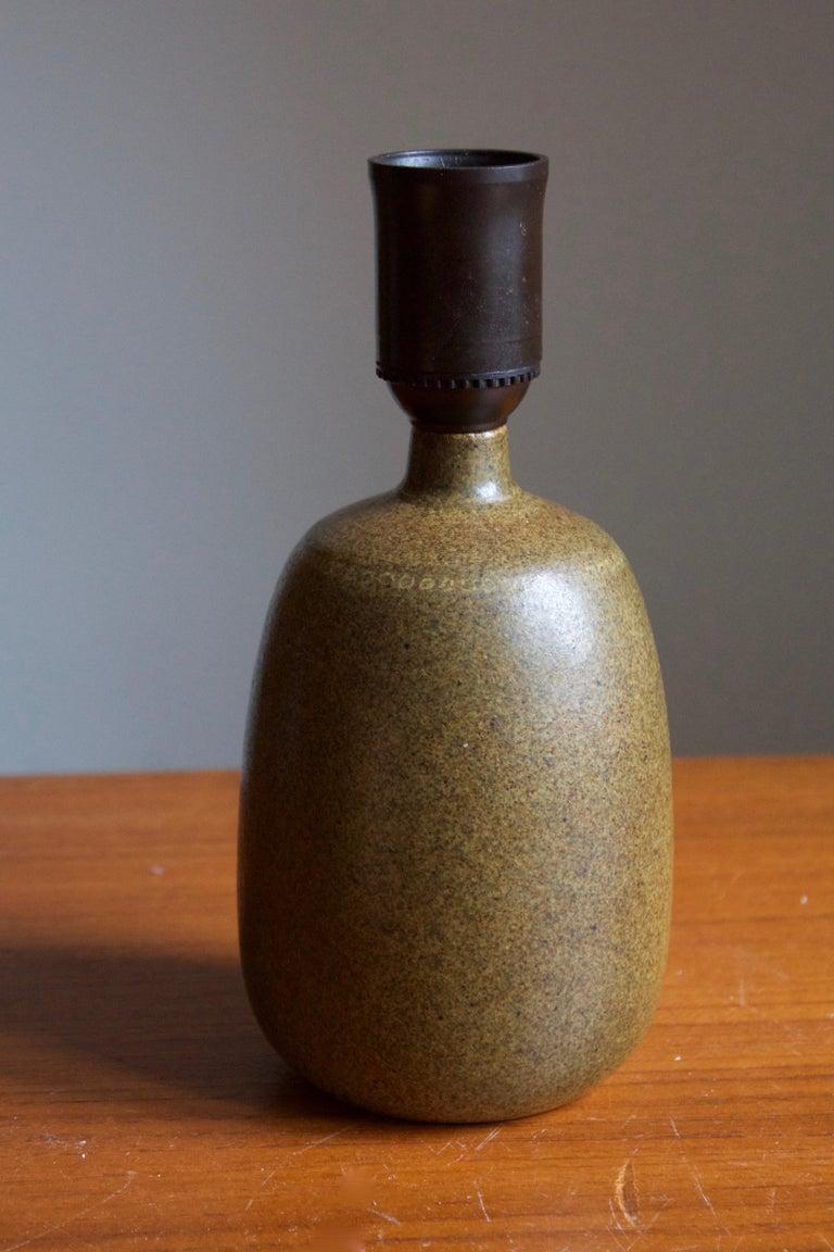 Mid-Century Modern Agne Aronsson, Table Lamp, Green Glaze Stoneware, Artist Studio, Sweden, 1960s For Sale
