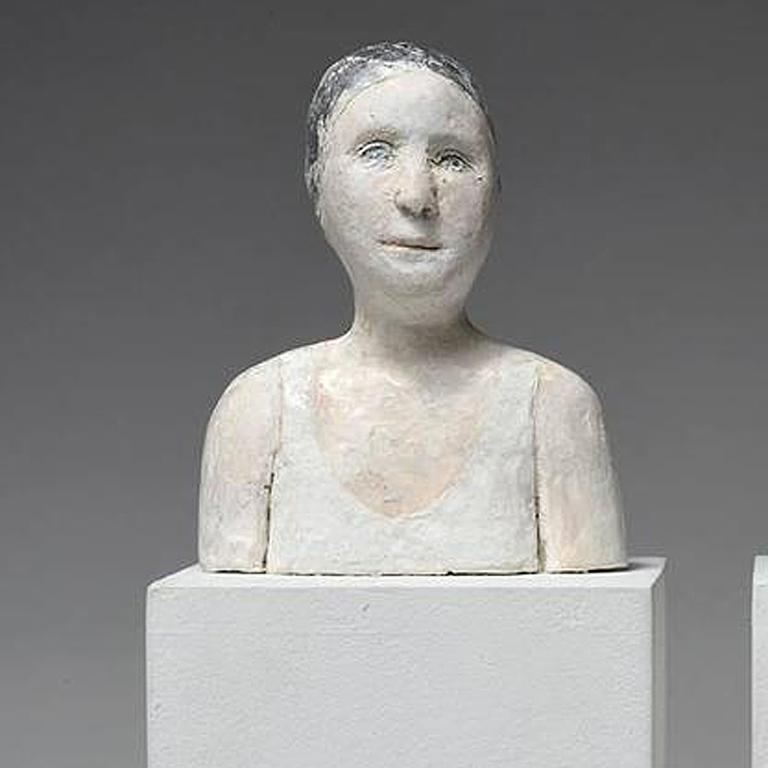 2 small portraits with gold and silver caps - Gold Figurative Sculpture by Agnes Baillon