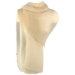 AGNONA Cream Cashmere / Silk Pleated Scarf