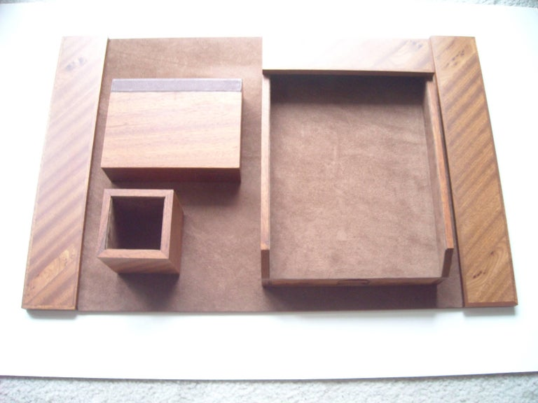 Agresti, Blotter and Desk Set, Four Pieces in Elm Wood In Excellent Condition For Sale In Los Angeles, CA