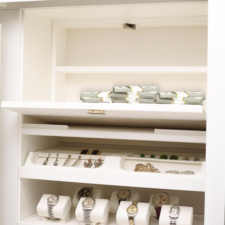 Agresti Contemporary Fiocco Armoire Safe in Shiny White Maple In New Condition For Sale In New York, NY