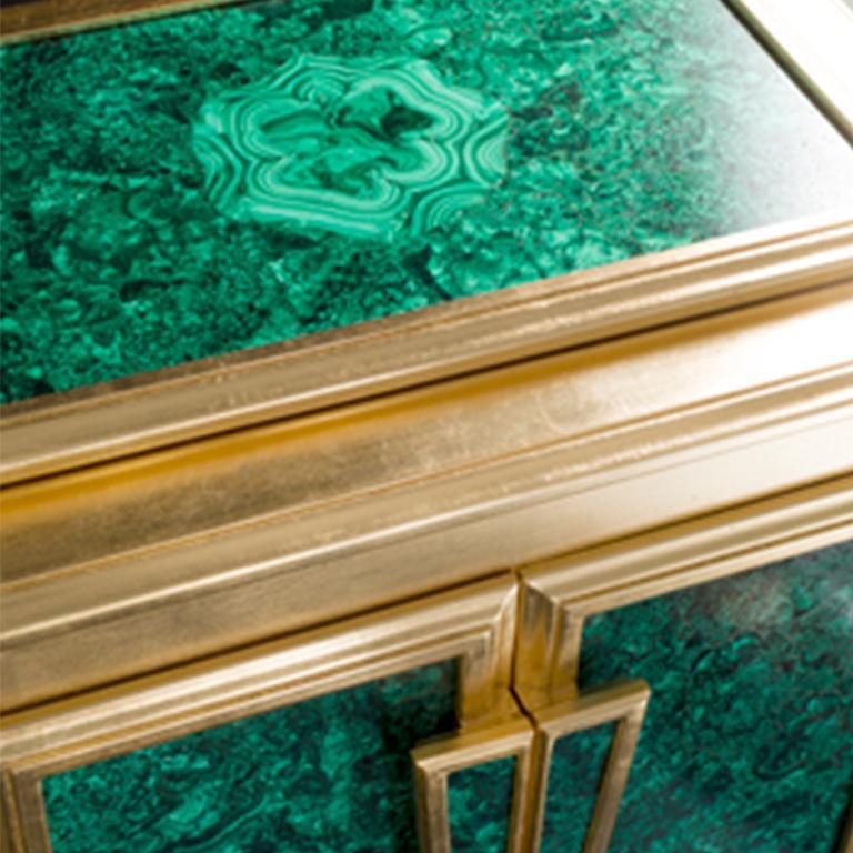 Agresti La Dama Oro Armored Jewelry Armoire Gold and Malachite Finish In New Condition For Sale In New York, NY