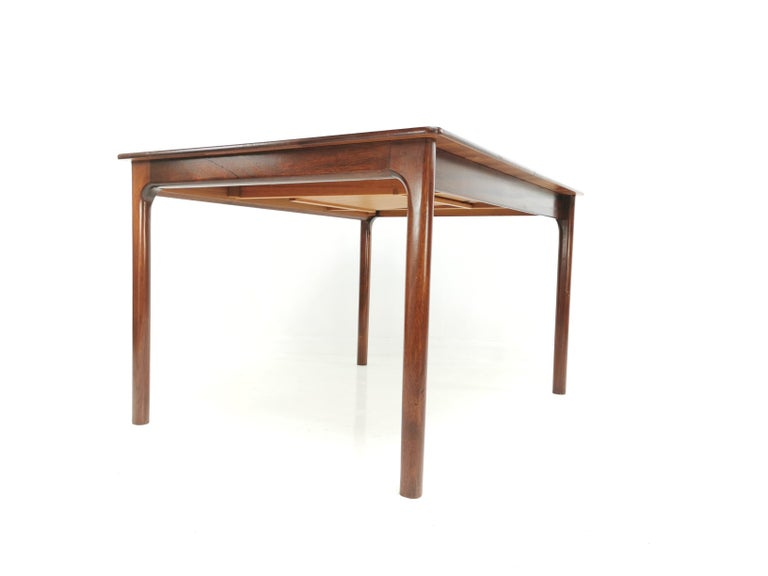 A.H. McIntosh of Kirkcaldy Rosewood Extending Dining Table Midcentury, 1970 In Good Condition For Sale In STOKE ON TRENT, GB
