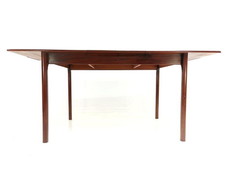 20th Century A.H. McIntosh of Kirkcaldy Rosewood Extending Dining Table Midcentury, 1970 For Sale
