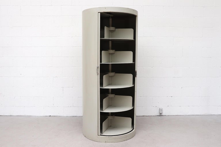 Ahrend Industrial Grey Enameled Metal Round Bookshelf Cabinet In Good Condition For Sale In Los Angeles, CA