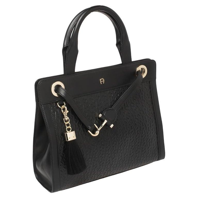 Aigner Black Signature Embossed Leather Cavallina Tote In Good Condition For Sale In Dubai, Al Qouz 2