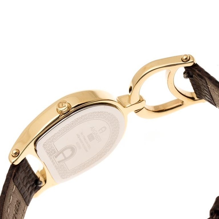 Aigner Mother of  Stainless Steel Arte A32200 Women's Wristwatch 26 mm In Good Condition In Dubai, Al Qouz 2