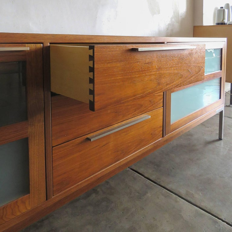 Frosted AK-1270 Nissen & Gehl Sideboard and Hanging Cabinet For Sale