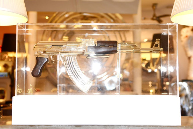 AK-47 in Silver Finish Art Sculpture Demilitarized In New Condition For Sale In Paris, FR