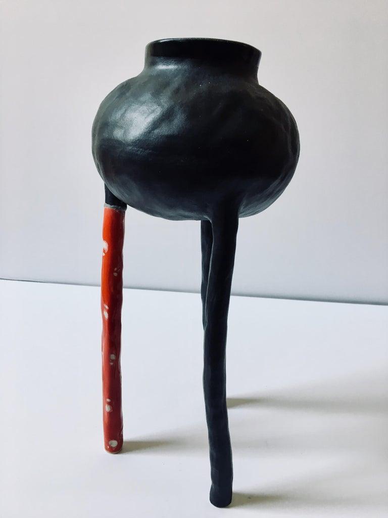 Sculpture ceramic vessel: 'Creature Medium No 8' - Gray Abstract Sculpture by Ak Jansen