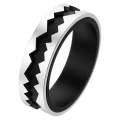 Akillis Capture in Motion Ring 18 Karat White Gold and Black Titanium