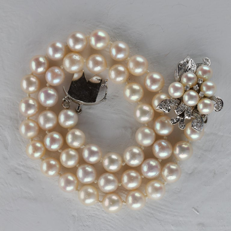 Akoya Pearl Necklace with Diamond Clasp Midcentury For Sale 5
