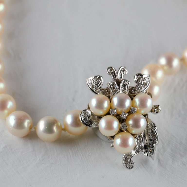 Akoya Pearl Necklace with Diamond Clasp Midcentury In Excellent Condition For Sale In Southbury, CT