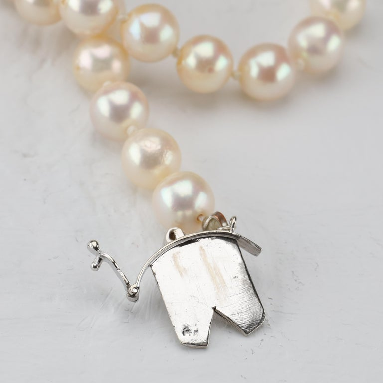 Akoya Pearl Necklace with Diamond Clasp Midcentury For Sale 2