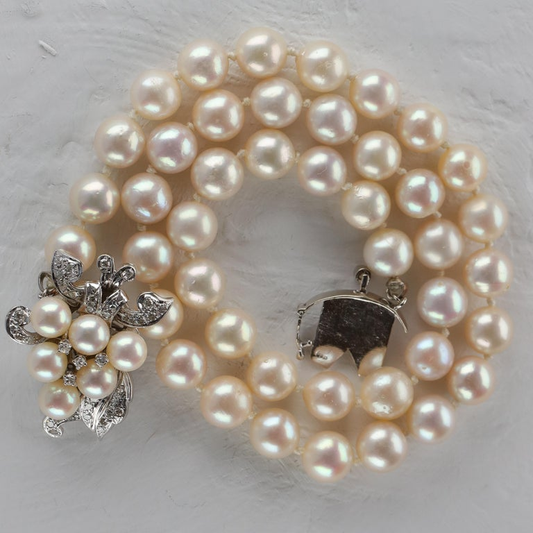 Akoya Pearl Necklace with Diamond Clasp Midcentury For Sale 4