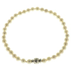 Akoya Pearls White Diamonds 18 Karat White Gold Necklace Handcrafted in Italy
