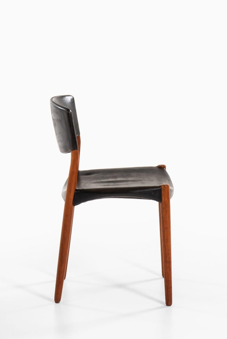 Aksel Bender Madsen & Ejner Larsen Dining Chairs by Cabinetmaker Willy Beck In Good Condition For Sale In Malmo, SE
