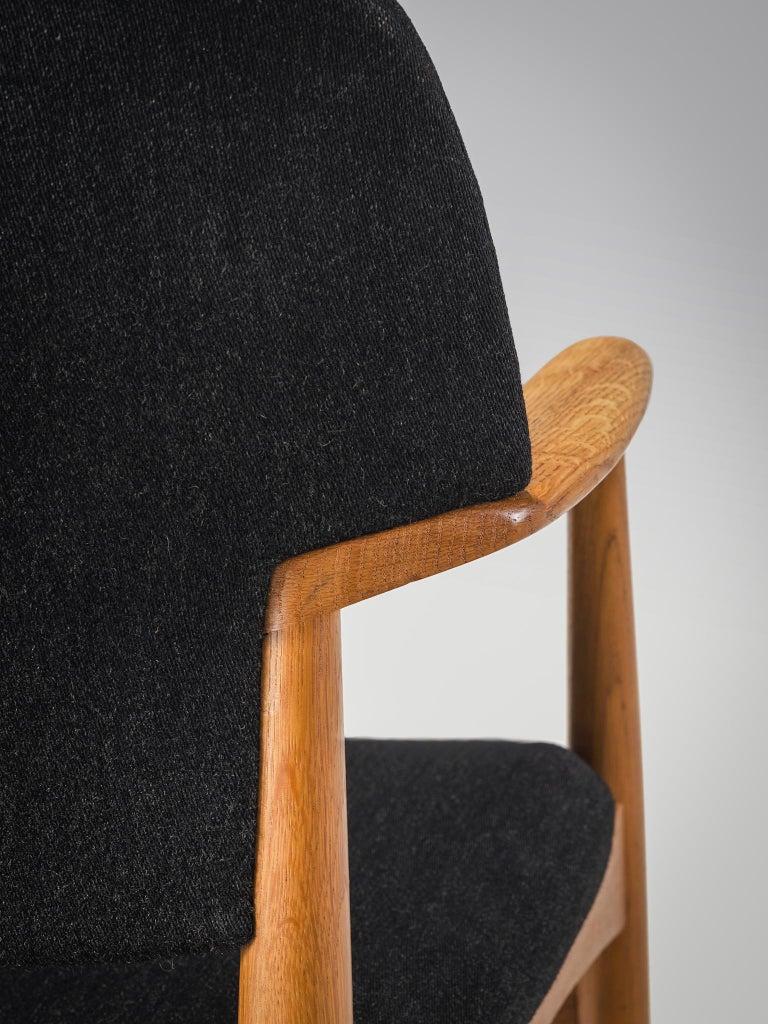 Aksel Bender Madsen Oak Armchairs for Fritz Hansen For Sale 1