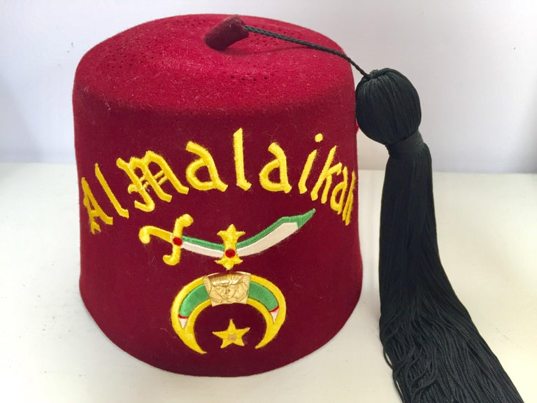 Moorish AL Malaikah Vintage Iconic Masonic Shriner Burgundy Wool Fez Hat in  Original Box For Sale 678d76cf23b