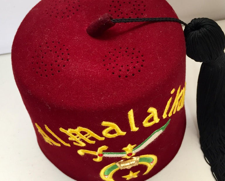 3b737e81f AL Malaikah Vintage Iconic Masonic Shriner Burgundy Wool Fez Hat in  Original Box