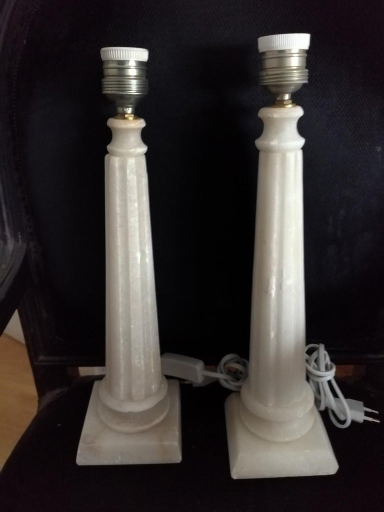 Italian Alabaster Table Lamp Classic Column Form For Sale