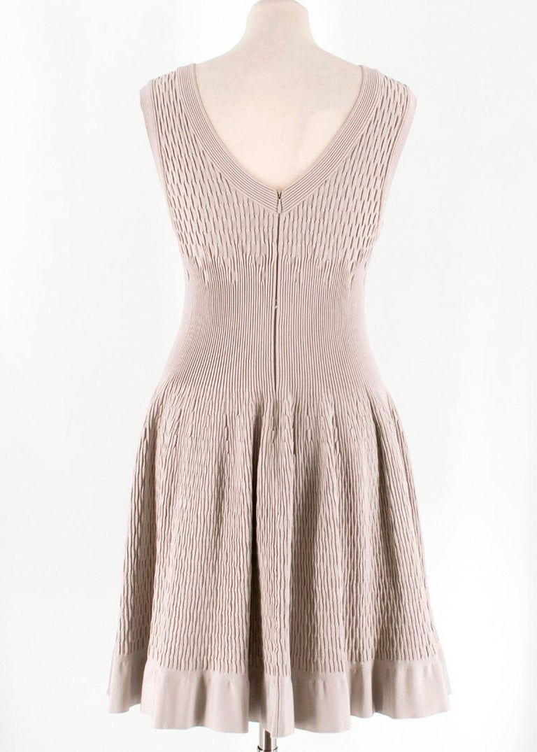 Alaia Beige Stretch Knit Dress US 6 In Good Condition For Sale In London, GB