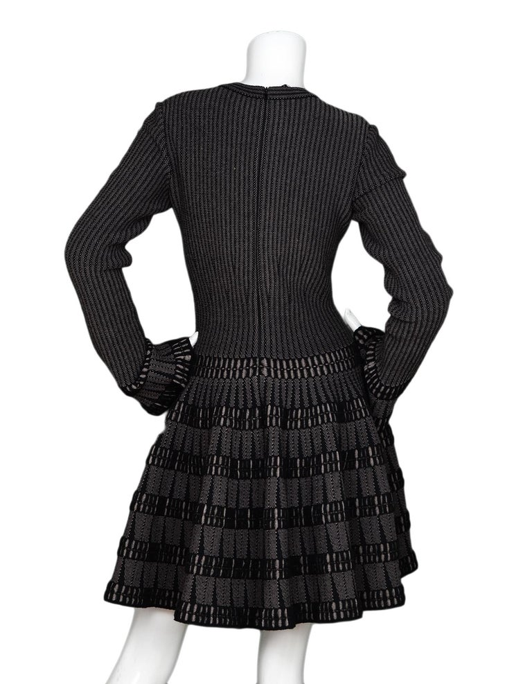 Alaia Black & Beige Fit & Flare Dress Sz 40 In Excellent Condition For Sale In New York, NY