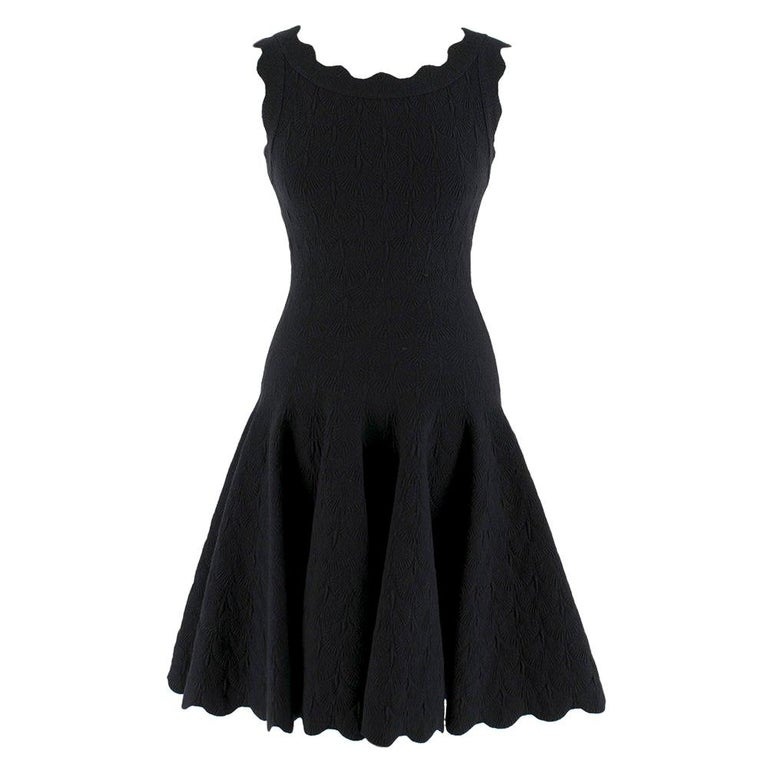Alaia Black Jacquard-knit Scalloped Wool Mini Dress	36 For Sale