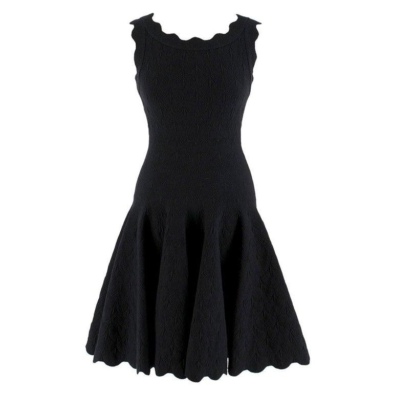 Alaia Black Jacquard-knit Scalloped Wool Mini Dress36 For Sale