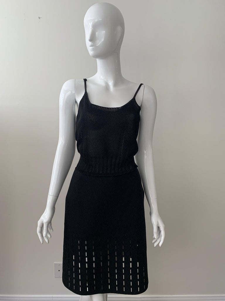ALAIA Black Knee Length Skirt  Size 42 (fits smaller)  Perfect ALAIA skirt makes a classic edition to your wardrobe.  Great condition.   Approx. Est. Retail $ 2000