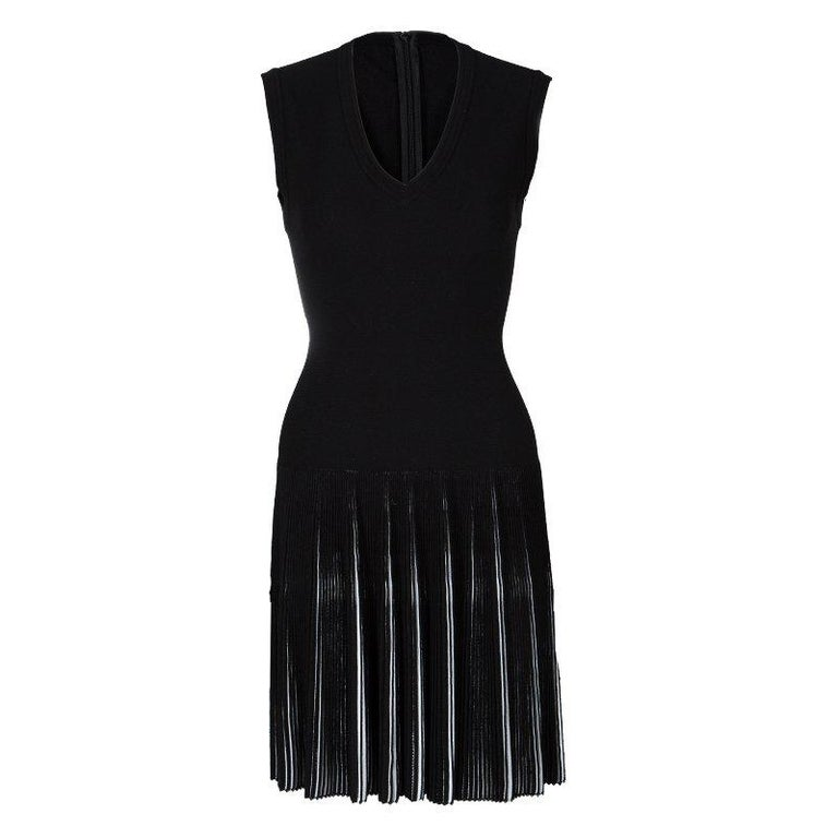 Alaia Black Knit Accordion Pleat Detail Fit and Flare Sleeveless Dress M For Sale