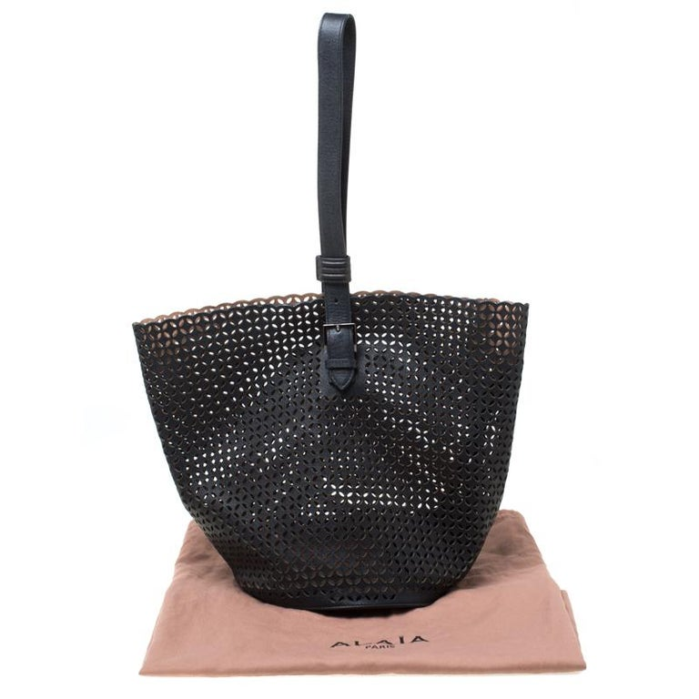Alaia Black Leather Rose Marie Bucket Bag For Sale 7