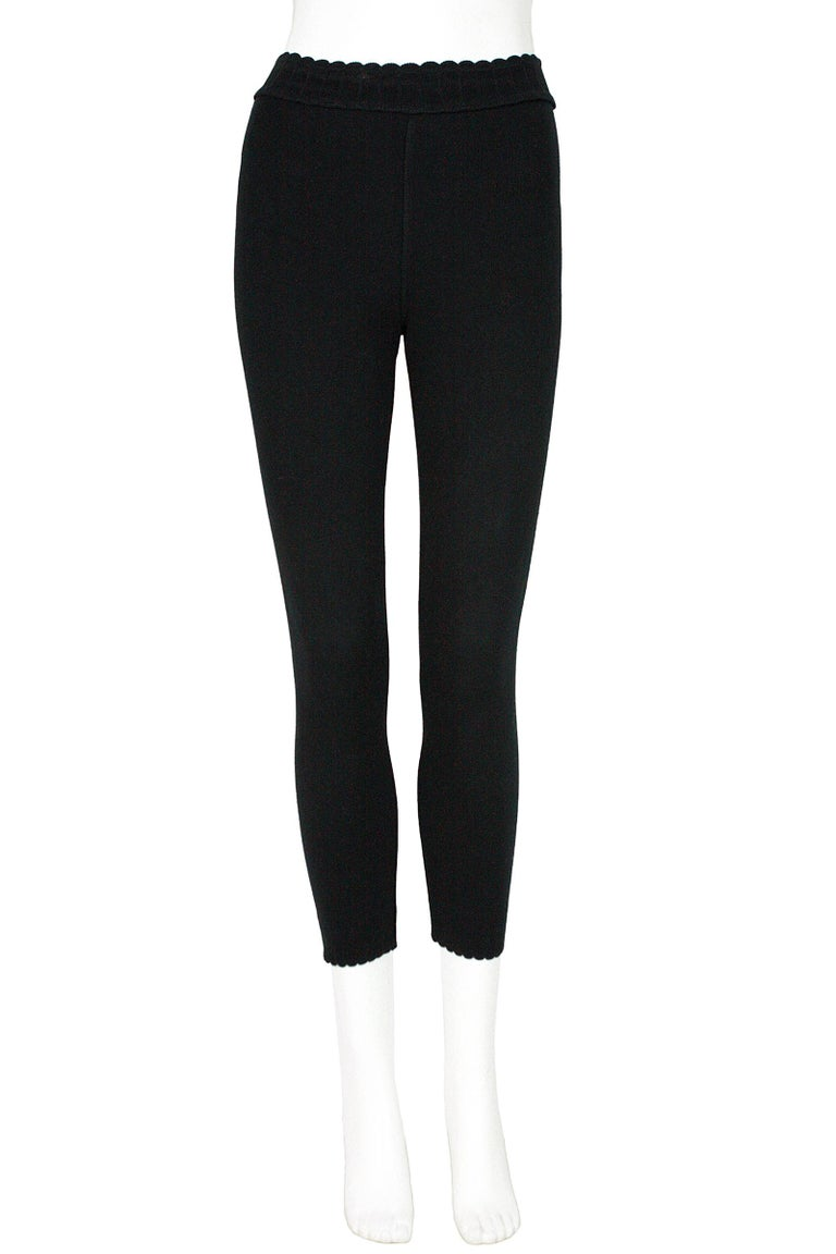 Alaïa leggings Black thick knit cotton blend  Stretchy scalloped trim at the waist and hem Pull-on style