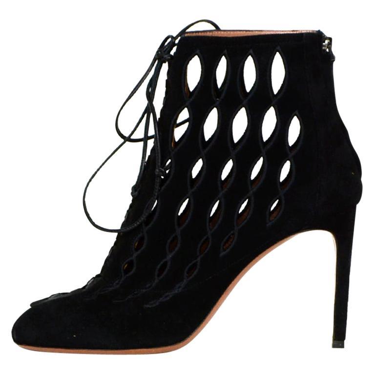 Alaia Black Suede Cut Out Lace-up Booties sz 40 For Sale