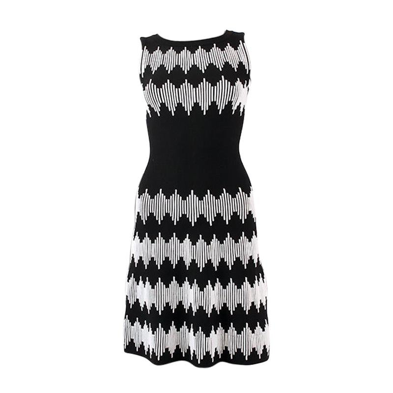ALAIA black & white wool blend TEXTURED KNIT Sleeveless Dress 38
