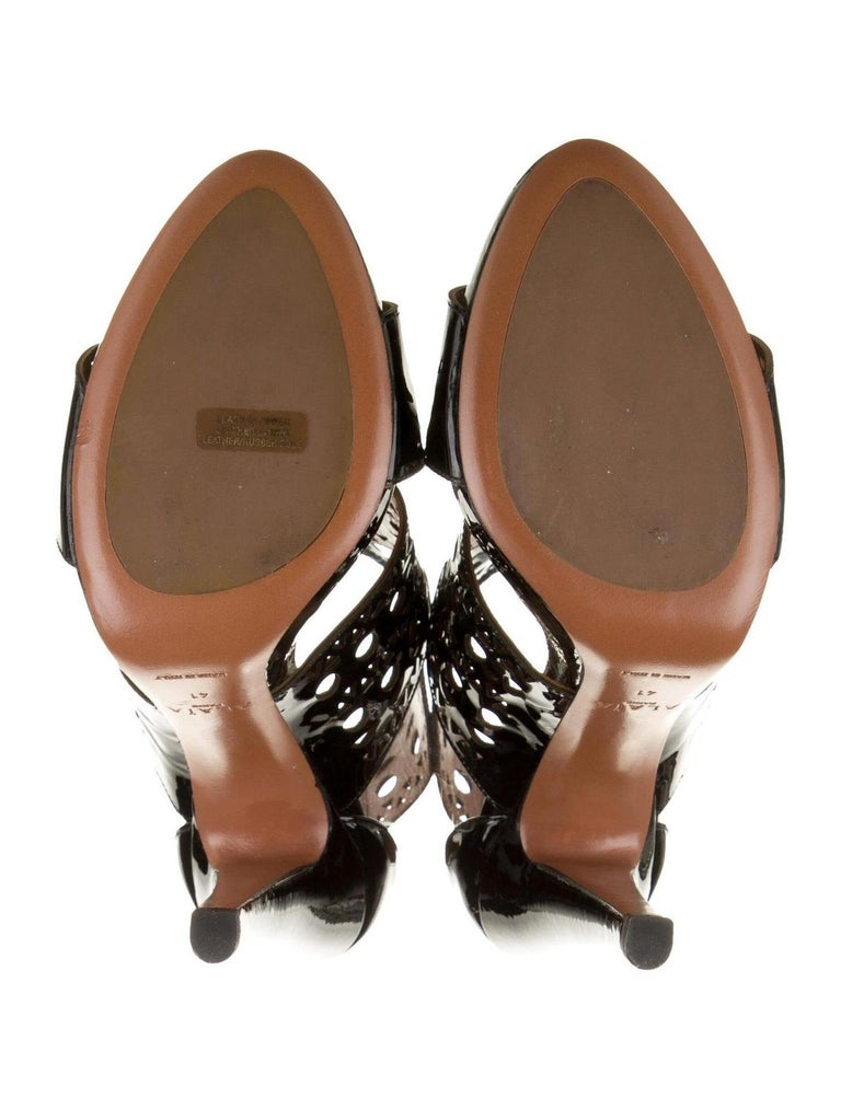 Alaia NEW Black Patent Leather Lattice Cutout Evening Sandals Heels For Sale 1