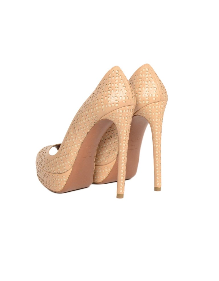Alaia Nude Leather Laser Cut Out Platform Peeptoe Pumps Sz 36.5 In Excellent Condition For Sale In New York, NY
