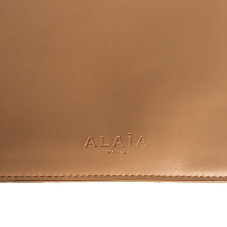 Alaïa Pouch In Pink Beige Leather For Sale 6