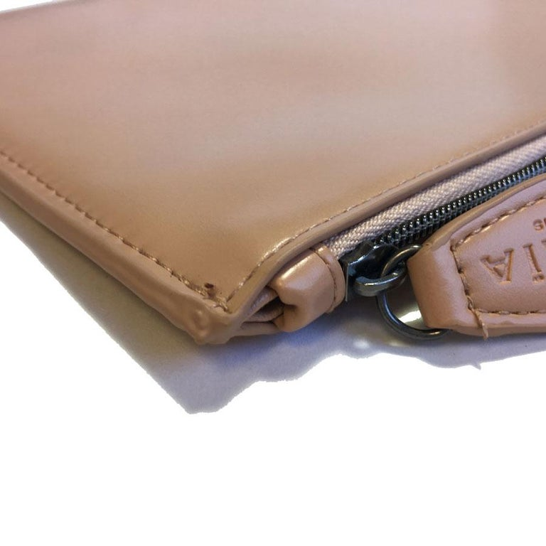 Alaïa Pouch In Pink Beige Leather For Sale 3