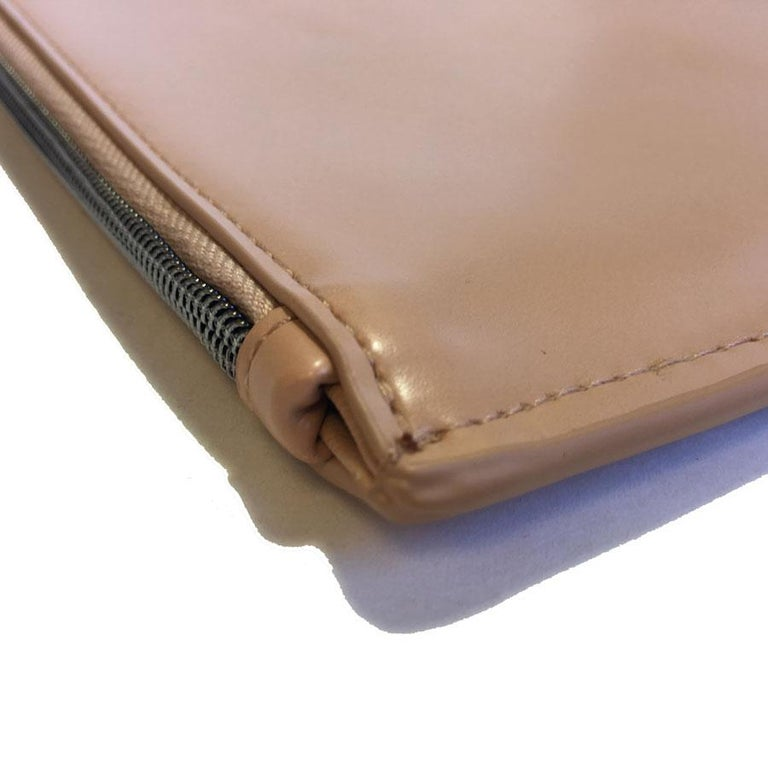 Alaïa Pouch In Pink Beige Leather For Sale 4