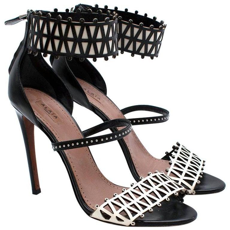 Alaia Stiletto Black & White Laser Cut Sandals 40 For Sale