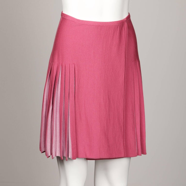 Alaia Vintage Two-Tone Pink Pleated Knit Sweater Mini Skirt For Sale 1