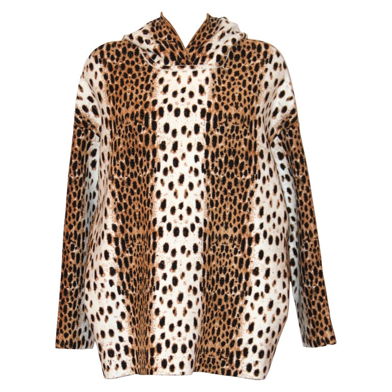 Alaïa White and Brown Leopard Print Sweatshirt For Sale