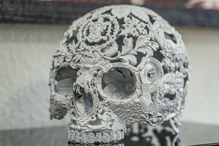 Petit Blanc - Skull Bronze Sculpture - Unique Piece For Sale 1