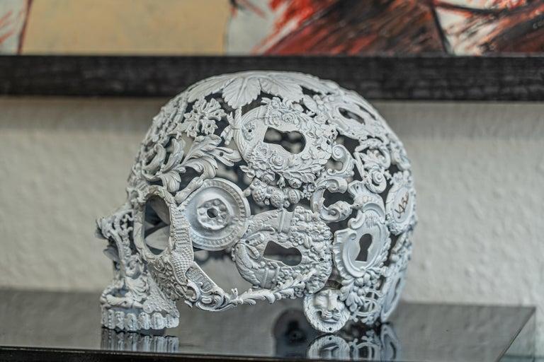 Petit Blanc - Skull Bronze Sculpture - Unique Piece For Sale 3