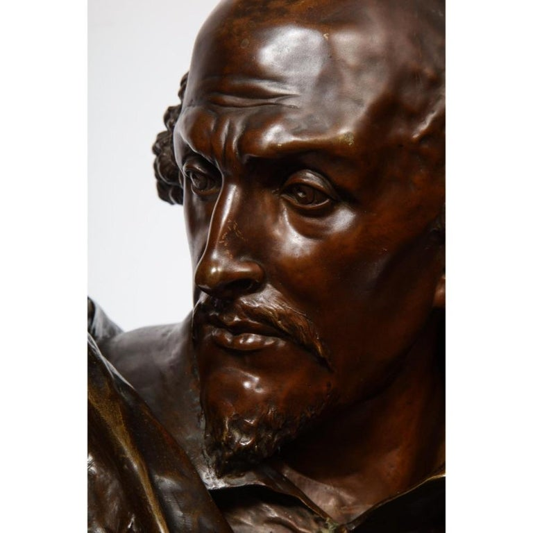 Rare French Bronze Bust of William Shakespeare by Carrier Belleuse and Pinedo - Gold Figurative Sculpture by Albert-Ernest Carrier-Belleuse