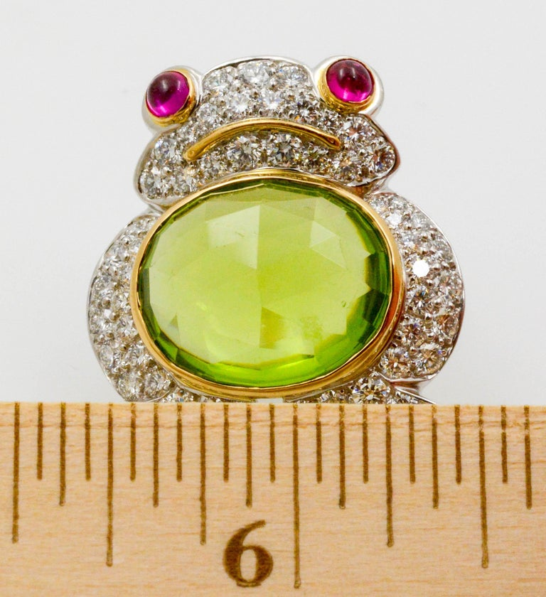 Albert Lipten 4.30 Carat Peridot  2.50 Carat Diamond Platinum Frog Brooch For Sale 1